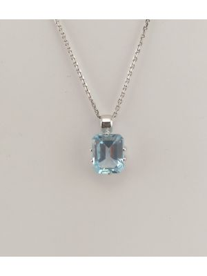 9ct White Gold Blue Topaz Pendant and Chain