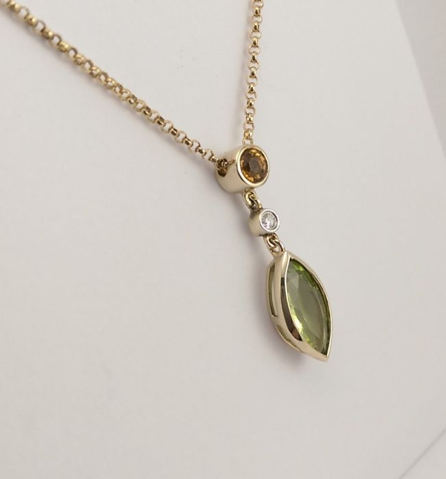 Women 9ct Gold Marquise Citrine Pendant without chain